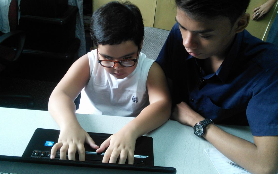 Microsoft YouthSpark Program Creates Computer Science Training Opportunities for Blind and Low Vision Filipino Youth