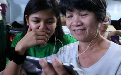 Senior moms unlock joys of Messenger, YouTube in Smart Millenniors program